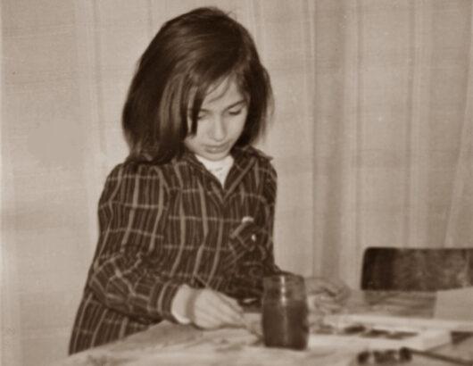 Julia malend am 12. Januar 1977